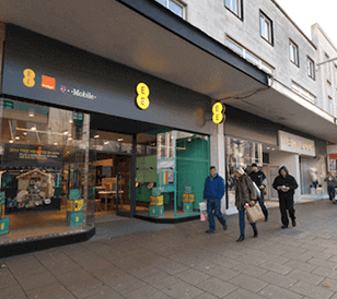 EE builds a brain as it looks to get back on track with customer experience